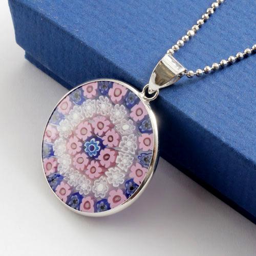 ▼ ▼ made in Italy Venetian glass pendants ( ミレフィオリ ).