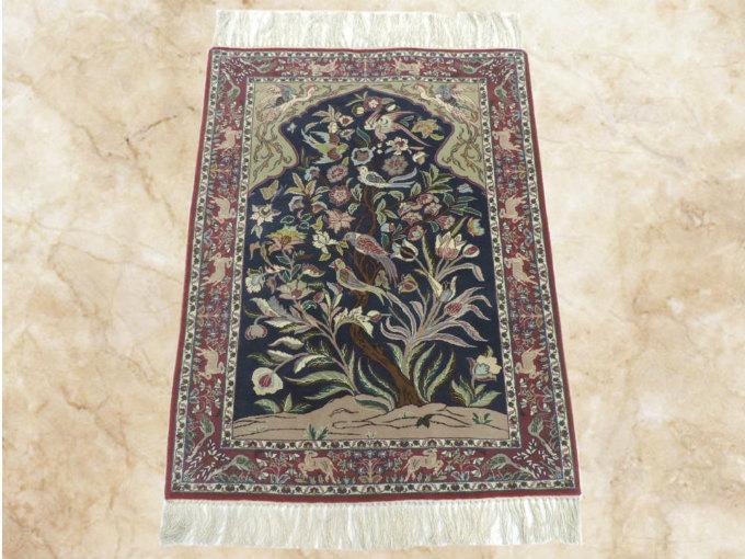 ペルシャ絨毯・カーペット ウール&シルク 手織り ペルシャ絨毯の本場(イラン イスファハン産) 玄関マットサイズ:105cm×73cm【本物保証】