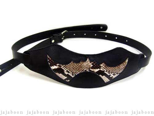 JAJABOON 蝙蝠ギターストラップ パイソン 蛇革(ダイヤモンドパイソン)+牛革(レザー)製