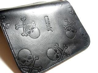 即日出荷 人気 送料無料 型押し総柄の髑髏ウォレット DOKURO-MON 掲載商品 JAJABOON ドクロ型押し財布 レザー 黒 製 smtb-m 二つ折り財布 本革