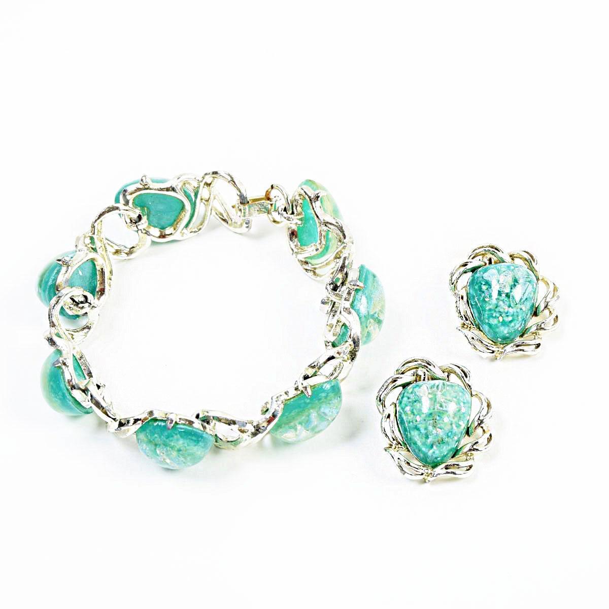 e358f76f6 VINTAGE CLOTHING JAM: Costume jewelry two points set Lucite bracelet ...