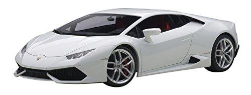 AUTOart 1/18 コンポジットモデル ランボルギーニ ウラカン LP610-4 メタリック・ホワイト 【北海道・九州は300円、沖縄は1300円別途料金が加算されます】