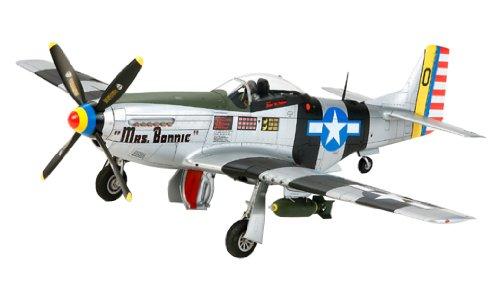 【沖縄へ発送不可です】1/32 エアクラフトシリーズ No.23 ノースアメリカン P-51D/K マスタング 太平洋戦線 60323
