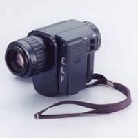 片手で操作できるコンパクトタイプ暗視スコープNV-250