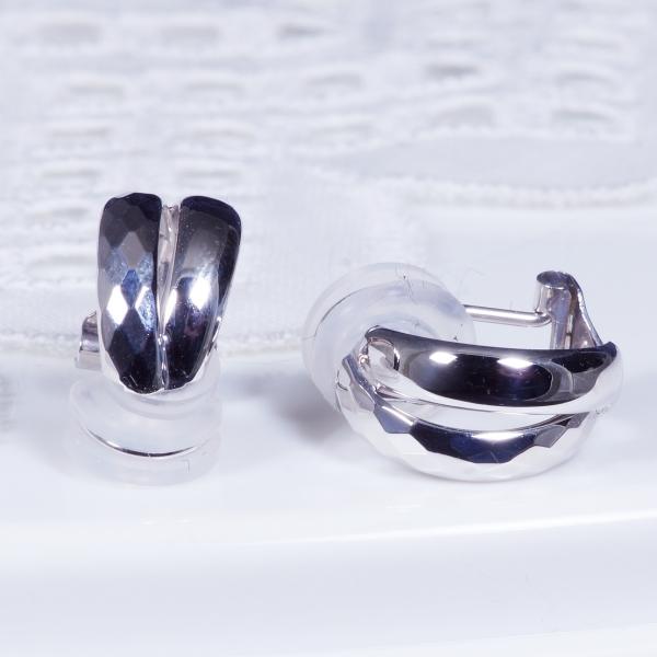 【見た目もすっきり!カットデザインが印象的なイヤリング、新登場】14金ホワイトゴールドイヤリング(184105)
