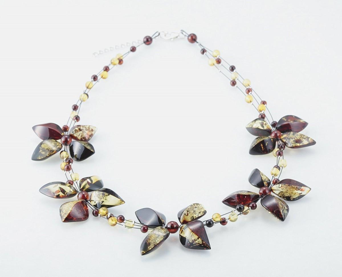 琥珀の花モチーフネックレス     ・リトアニア製・
