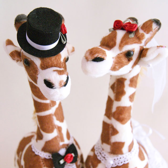 キリンのウェルカムドール 完成品|ウェディング(ギフト対応)結婚式 ぬいぐるみ 人形 受付装飾に