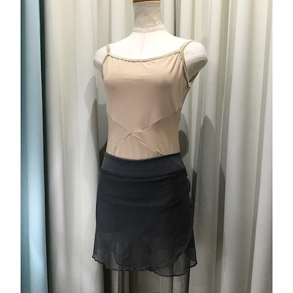 ボクサーショーツに巻きスカートが縫い付けられています ズレを気にせず踊れます バレエ 安売り スカート ダークグレーメッシュJewelesqueオリジナル Aタイプ 値引き パドドゥスカート