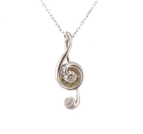 ダイヤモンド付き ト音記号 ペンダント ネックレス ホワイトゴールド製