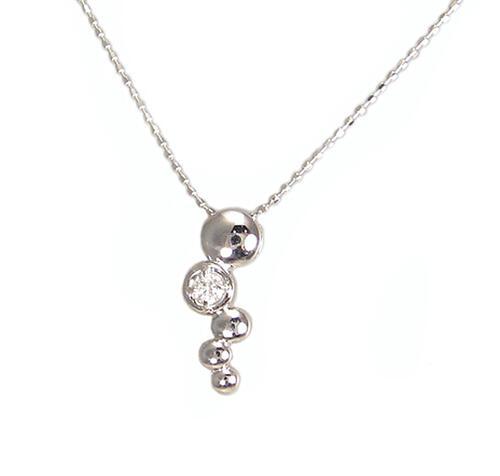 可愛らしい ダイヤモンド ペンダント ネックレス ホワイトゴールド製