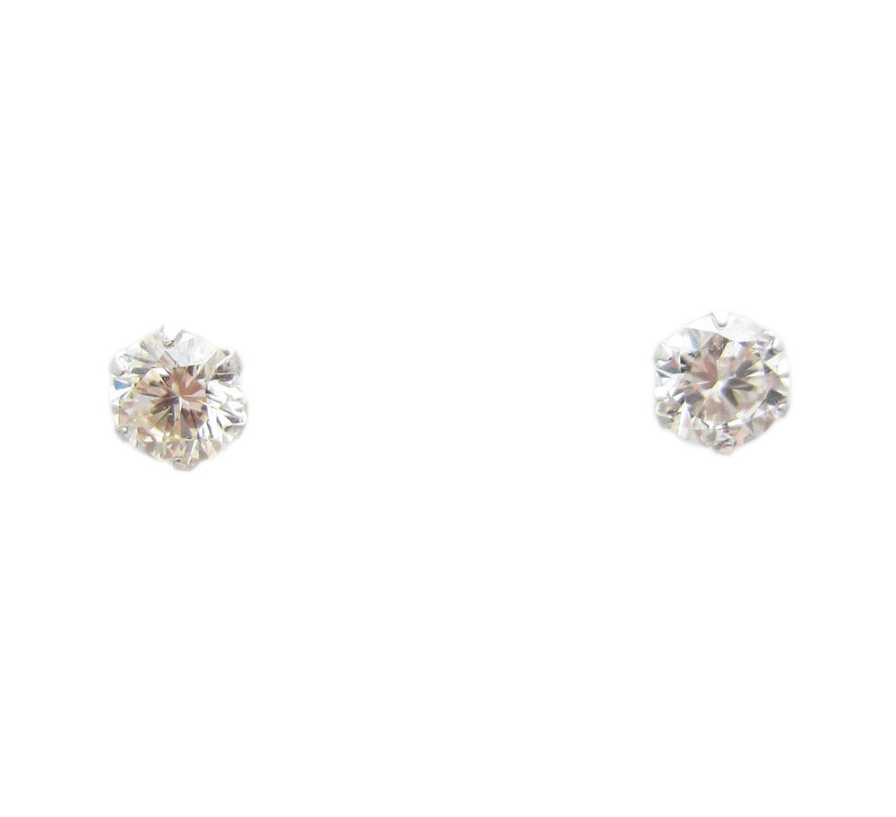 プラチナ ダイヤモンド ピアス 0.6カラット