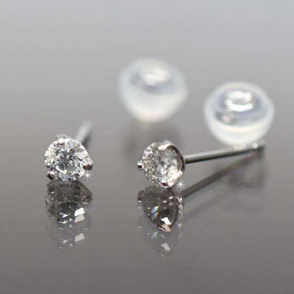プラチナ シンプル3本爪タイプ ダイヤモンドピアス 直径2.3mm ダイヤ 0.1ct