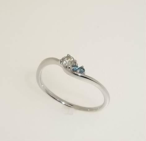 お値打ち! K18WG アイスブルーダイヤモンド リング【smtb-tk】【tokai_gw_shippingfree0501】
