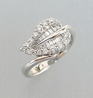 【訳あり商品】【送料無料】綺麗なダイヤのリーフモチーフを身に付けて幸せ気分♪K18WG ダイヤモンドリング【smtb-TK】【tokai_gw_shippingfree0501】