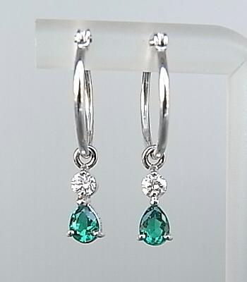 【送料無料】上品でシンプルなデザインのダイヤモンドとエメラルドが美しいフープピアス☆Pt K18WG エメラルド・ダイヤモンドピアス【smtb-tk】【tokai_gw_shippingfree0501】