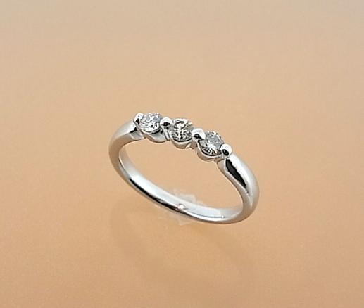 【ワケあり商品】お買い得★プラチナ×ダイヤがこの価格★ Pt ダイヤモンドリング【smtb-tk】【tokai_gw_shippingfree0501】