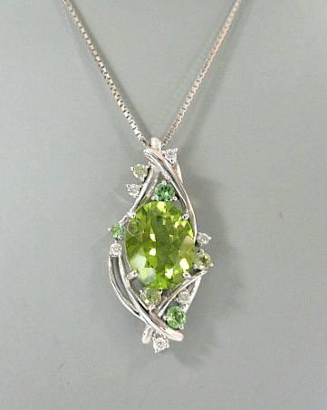 K18WG ペリドット グリーンガーネット ダイヤモンド ネックレス