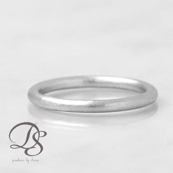 他には無いシルクのようなオシャレな指輪 ピンキーリングにも♪Pt950 プラチナリング リング レディース 華奢 誕生石  プレゼント シンプル おしゃれ かわいい DEVAS ディーヴァス