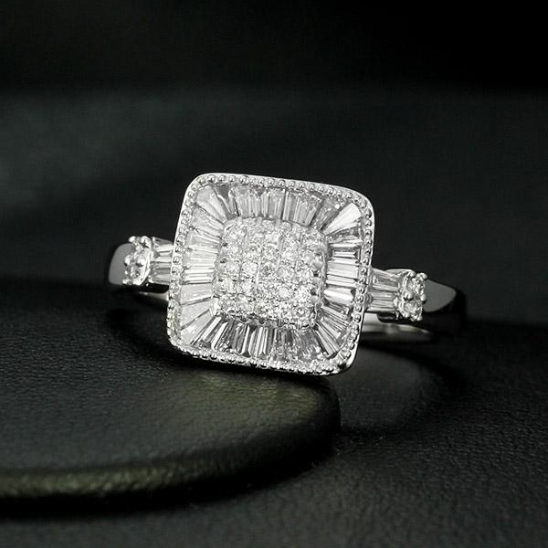 ダイヤモンド リング K18 ホワイトゴールド 0.6ct テーパー ダイヤ ラウンド ダイヤ スクエア 鑑別書付 保証書付 インポート ギフト プレゼント