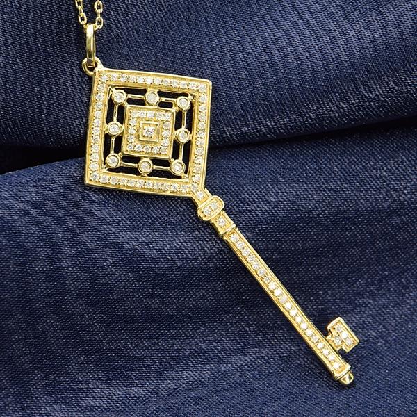 ダイヤモンド ネックレス 鍵 キー 0.2ct K18 イエローゴールド 鑑別書付 保証書付 ラッキー モチーフ インポート ギフト プレゼント 記念日 誕生石 4月