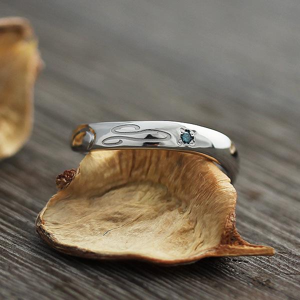 指輪 プラチナ100 12星座 獅子座 シンボルマーク 彫刻 ダイヤ 0.01ct リング