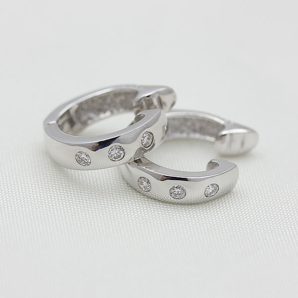 K18WG ダイヤモンド(0.14ct) イヤークリップ