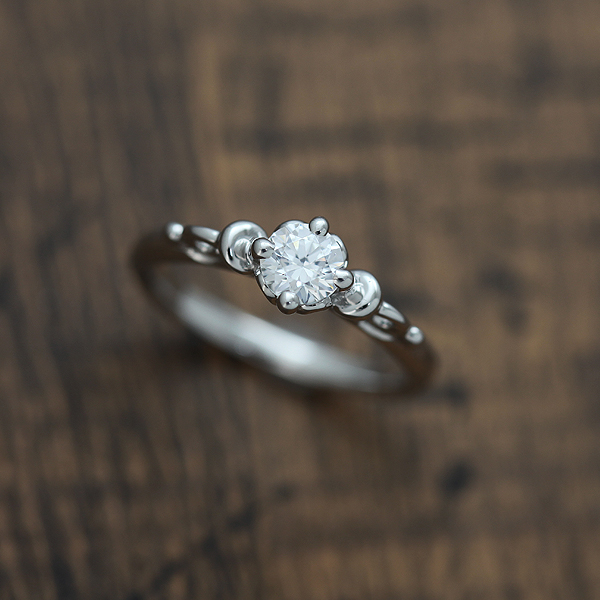 婚約指輪 プラチナ PT900(Pt90%) ダイヤモンド 0.30ct エンゲージリング 1粒 ダイヤリング ブライダルリング