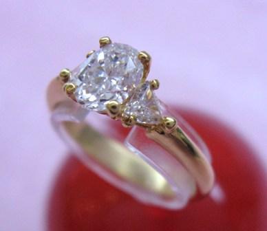 ◆即納◆QUEEN クィーン K18ダイヤモンドリング【楽ギフ_のし】【smtb-KD】