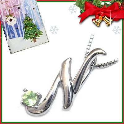 クリスマス限定Xmasカード付「N」イニシャルモチーフ( 8月誕生石 )K10WG ペリドットペンダントネックレスCanCam掲載【DEAL】