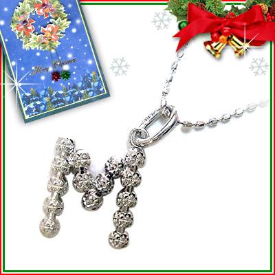 クリスマス限定Xmasカード付「M」イニシャルモチーフK18ホワイトゴールドペンダントネックレスCanCam掲載【DEAL】