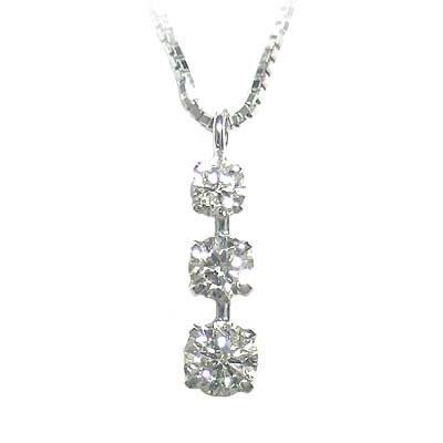 K18ホワイトゴールドダイヤモンドペンダントネックレス