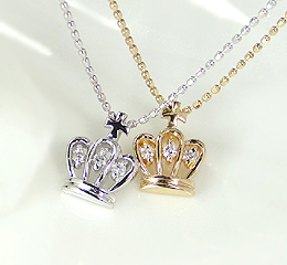 K10 天然ダイヤモンド 王冠ネックレス【送料無料】