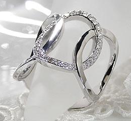 K18WG ダイヤモンド リング 〈トリコローレ〉