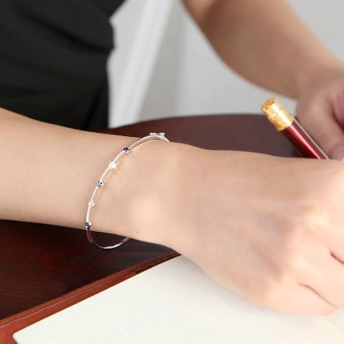18金 0.5ct ブルーダイヤモンド ツートーン バングル ブレスレット カラット K18WG ホワイトゴールド ダイアモンド レディース プレゼント ギフト 記念日 誕生日