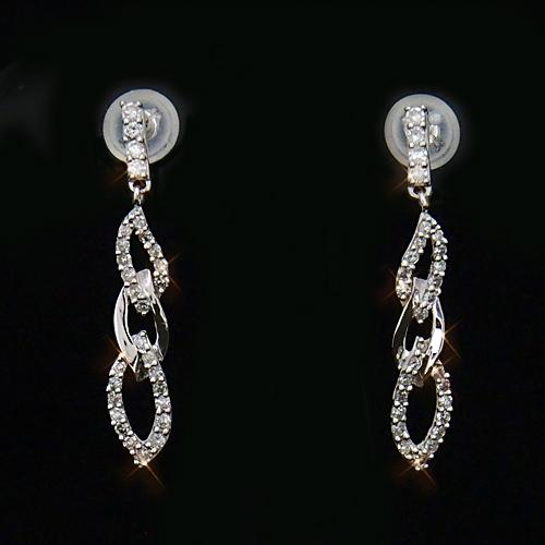 18金 ダイヤモンド0.3ct チェーンデザインロングピアス 揺れる 0.3カラット K18WG ホワイトゴールド ダイアモンド レディース プレゼント ギフト 記念日 誕生日