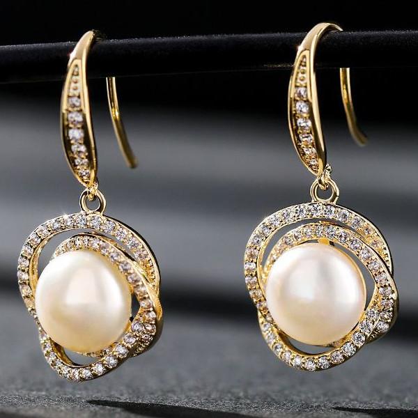 魅惑的な女性の耳元を演出 ピアス レディース 淡水パール 真珠 可愛い 両耳 K18金RGP 揺れる 新作 大人気 直営限定アウトレット SILVER925 金属アレルギー対応