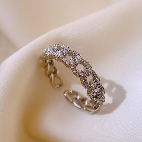 透明感のある美しい光沢が指先をスタイリッシュに リング 指輪 好評受付中 レディース スワロフスキー K18金RGP 可愛い おすすめ特集 金属アレルギー対応 フリーサイズ