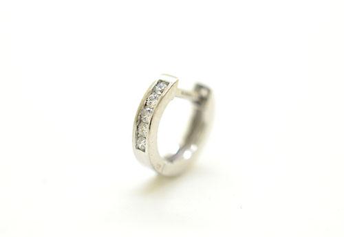 K18WG ホワイトゴールド ダイヤモンド ハーフエタニティー リングピアス片耳用 D0.05ct ギフト対応