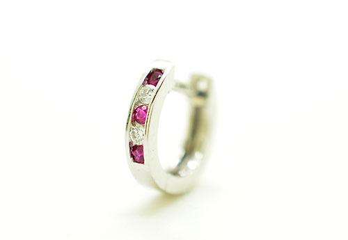 K18WG ホワイトゴールド ダイヤモンド 0.05ct ルビー0.07ct リングピアス片耳用 ギフト対応