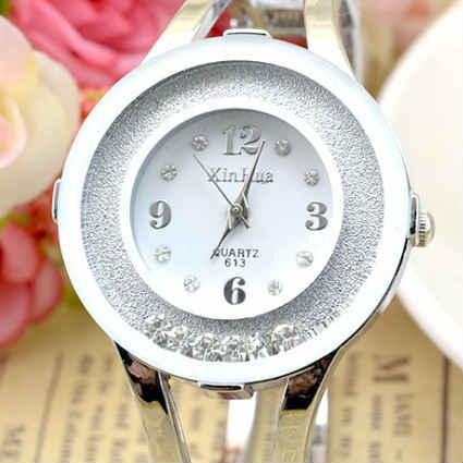安心と信頼 ラインストーンが揺れ動くバングルウォッチ 気質アップ 腕時計 レディース おしゃれ 安い かわいい バングルウォッチ ジュエル ムーブストーン プレゼント Jewel