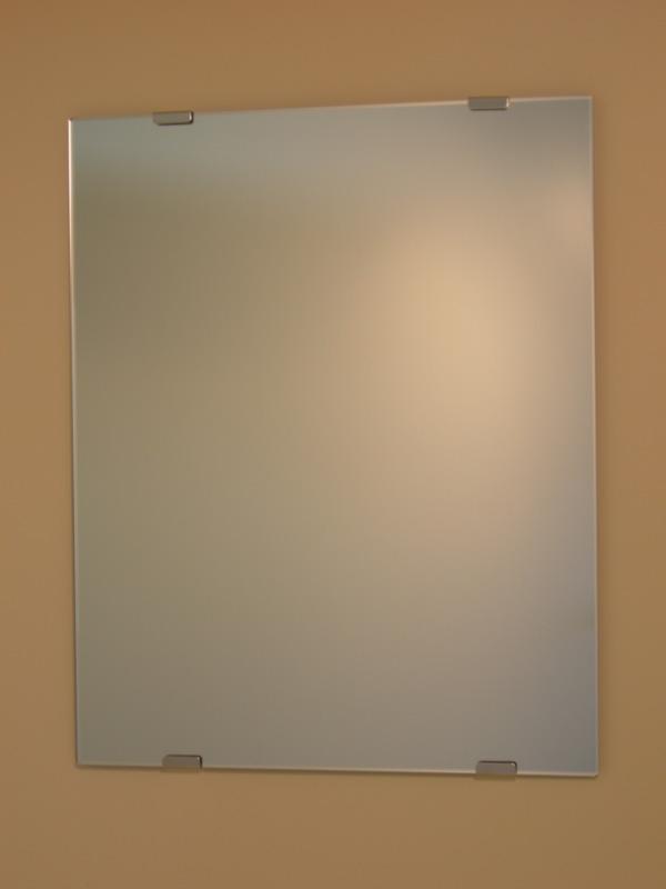 柄なし お部屋を選ばない一般的なタイプです 一番お求めやすい価格です 幅 60センチ× 高さ 90センチ 取付方法は ビスタイプです 鏡 ミラー 洗面鏡 お買い得品 化粧鏡 JHAインテリアミラー 《デラックス》 市販 W600×H900 ノンフレーム フレームレスミラー おしゃれ トイレ スタイリッシュ 通常品 CM-60X90Tb 玄関 店舗 四角 洗面 ビス用 寝室 モダン シンプル