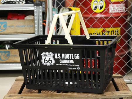 雑誌や衣類の収納に便利 完売 リアルな大きさが面白いです ルート66 ROUTE66 バスケット 収納 かご プラスチック おしゃれ 洗濯物 マーケットバスケット 小物入れ 買い物かご 洗車 アメリカ ショッピング サイズL_SB-002L-SHO アメリカン雑貨