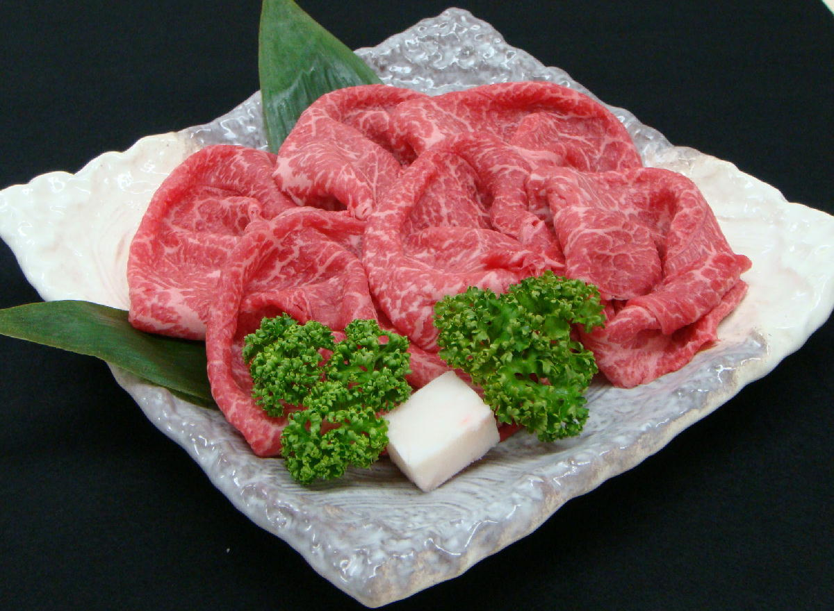 【JAたじま】 兵庫県産 但馬牛 モモスライス 1kg ( しゃぶしゃぶ ・ すき焼き用 ) 送料無料 !! 神戸牛 ・ 神戸ビーフ の素となる 但馬ビーフ !! お歳暮 ギフト 贈答 御歳暮 牛肉 すき焼き肉