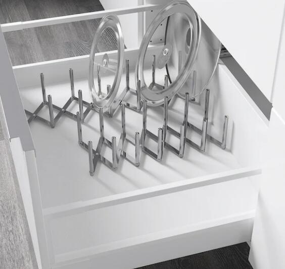 収納ニーズに合わせて長さを調節できます デポー IKEA イケア VARIERA キッチンオーガナイザー 年間定番 引き出し収納 ヴァリエラ鍋ぶたオーガナイザーステンレススチール