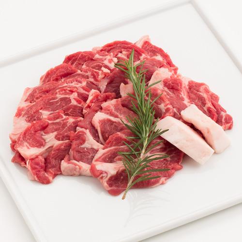 当店不動の一番人気 赤身と脂身のバランスが良く ラム肉のジューシーな 旨み を味わえます 迷ったらコレッ 人気商品 イチオシです ラムカタロース肉300gパック タレ付き ジンギスカン じんぎすかん ラム肉 羊肉 仔羊肉 たれ 遠野 肩ロース 生ラム カタロース肉 お取り寄せ 売れ筋 人気 岩手県 グルメ 通販 秘伝のタレ 在庫あり オーストラリア