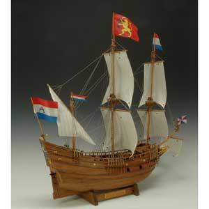 1/40 木製帆船模型 ハーフムーン ウッディジョー