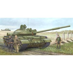 1/35 ソビエト軍 T-62 BDD主力戦車 Mod.1984/Mod.1962改【01553】 トランペッター