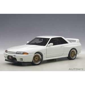 1/18 日産 スカイライン GT-R (R32) V-Spec II チューンド・バージョン (ホワイト)【77416】 オートアート