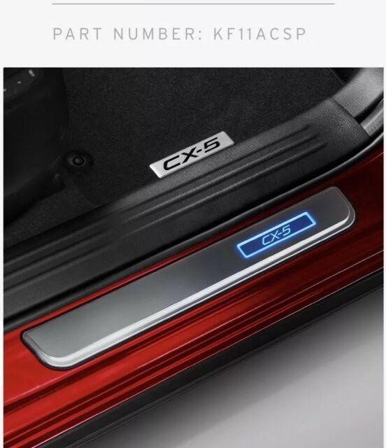 【KF系CX-5】「CX-5」ロゴ入りイルミネーテドスカッフプレート ドア4枚分セット 海外仕様純正アクセサリー