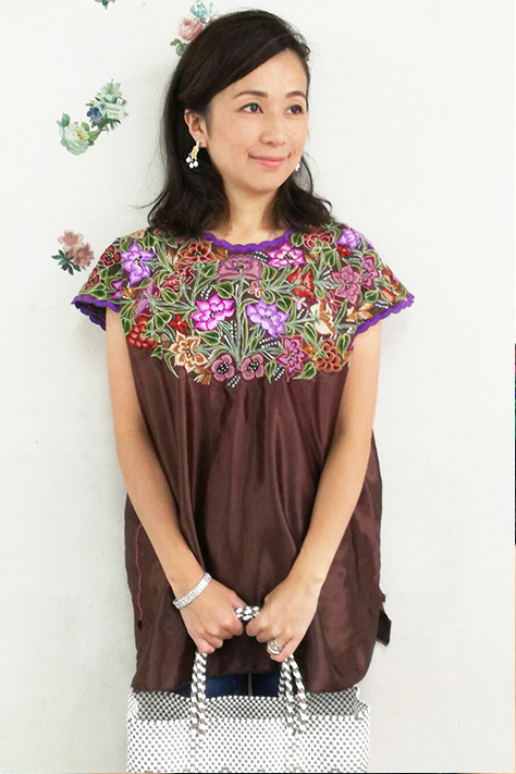 ブラウス 刺繍 フラワー チュニック メキシコ刺繍サテン ブラウン ギフト ラッピング 結婚祝い